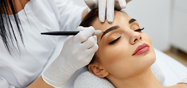 tratamientos de cejas en Nail Center